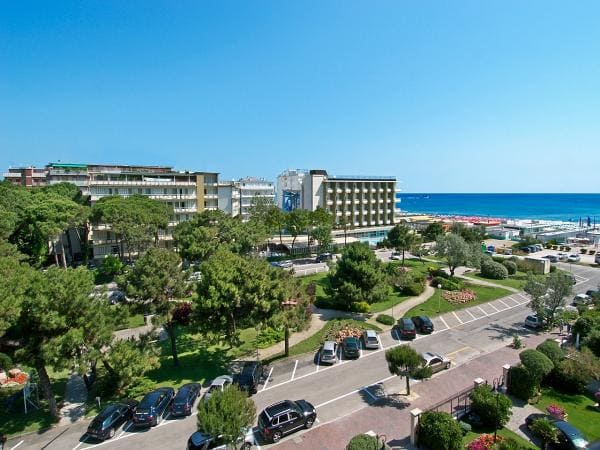 Hotel Family Beach Resort  Lido Milano Marittima
