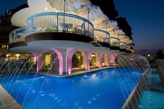 Hotel negresco milano marittima ra 3 stelle sup - Hotel con piscina coperta milano marittima ...