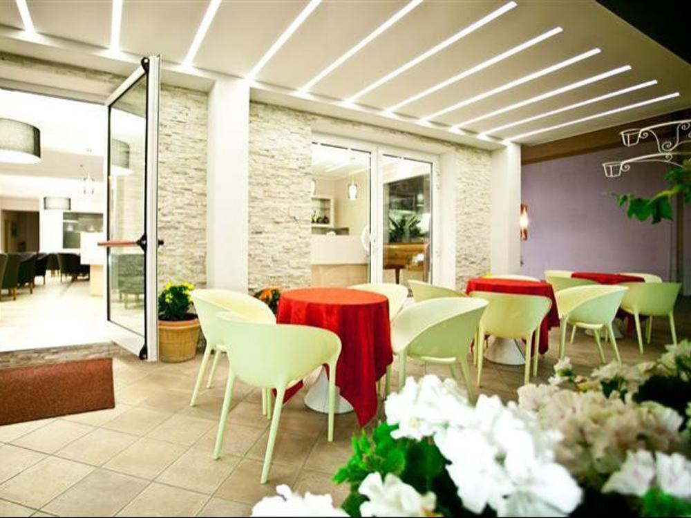 Hotel solaris gatteo mare fc 3 stelle for Gardini per arredare gatteo fc