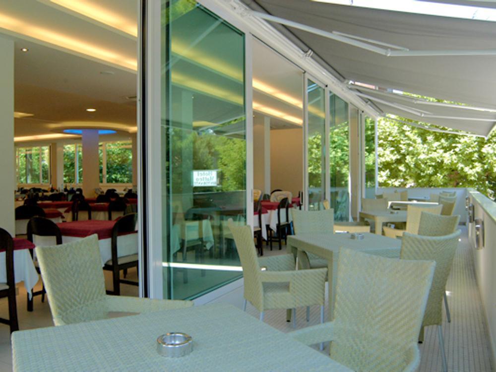Hotel matteo pinarella di cervia ra 3 stelle for Bagno 3 stelle pinarella