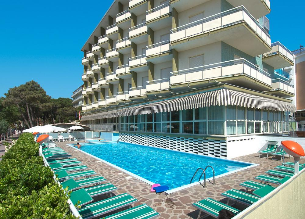 Hotel family beach resort lido milano marittima ra 3 stelle - Bagno adriatico milano marittima ...